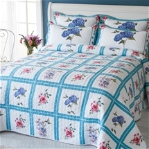 Hummingbird Orchard Bedding