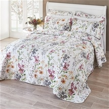 Summer blooms bedspread