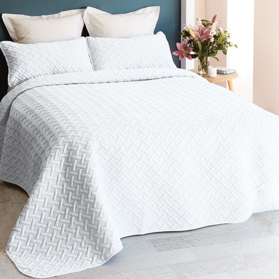 3 Piece Chic Embossed Comforter Set_CECST_0