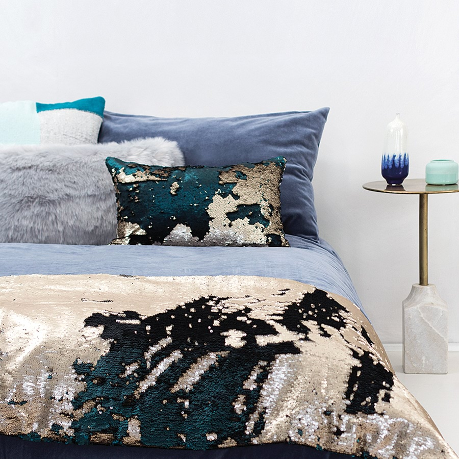 Shimmering Sequin Bed Runner & Cushion_SHIMA_0